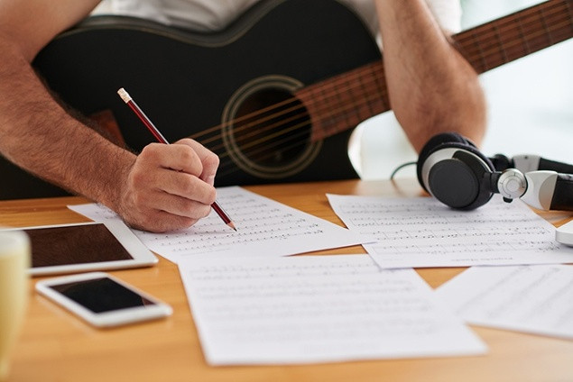 songwriting tips, 10 songwriting tips, secret to writing a hit record, writing music