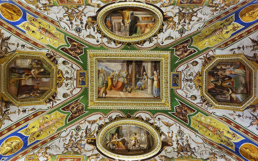 frescos on the ceiling of the Christina Queen of Sweden room at the Galleria Corsini
