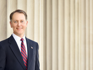 Former federal and state prosecutor, Chris Cox, to run for Jefferson Parish Judge