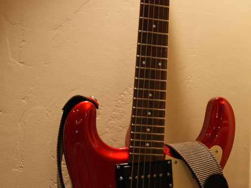 """The Danelectro """"The 64"""". Why Do I Keep Reaching For This Guitar?"""