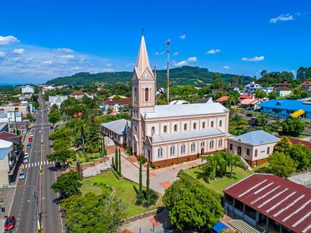 Governo apresenta programa para reestruturar economia local