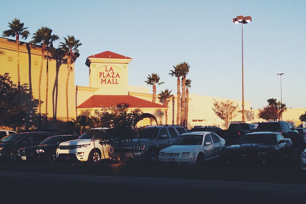 La Plaza Mall, McAllen, Texas, EUA.