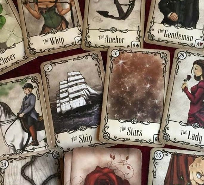 How to read Lenormand cards? Lenormand cards are made up of 36 Lenormand cards, each with its own unique meaning.