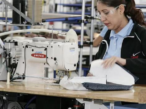 La producción industrial se desplomó en un año 7,4%
