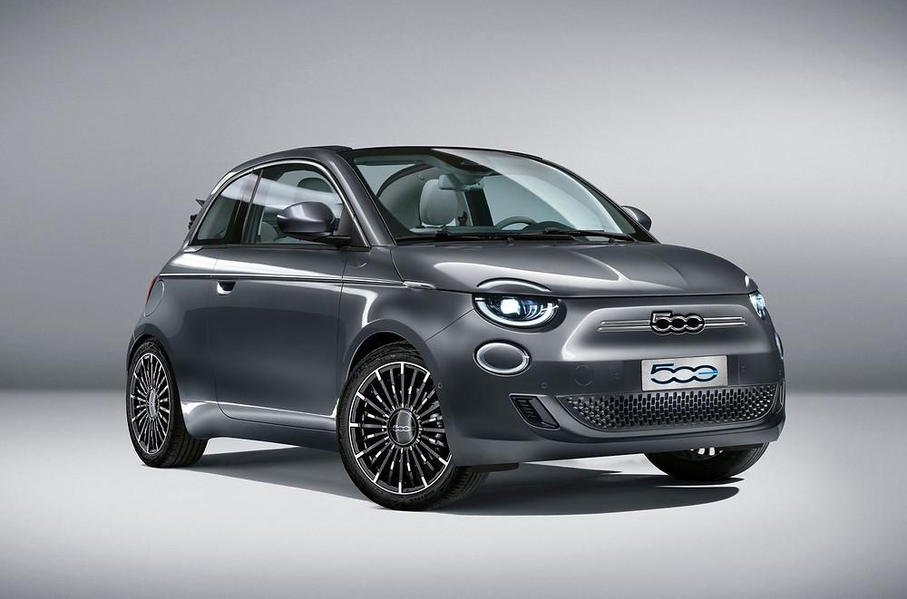 """Novo Fiat 500 conquista """"Red Dot Award 2020"""""""