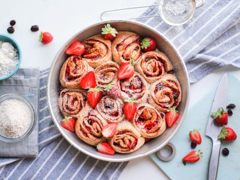 Cinnamon rolls integrali alle fragole: la ricetta light