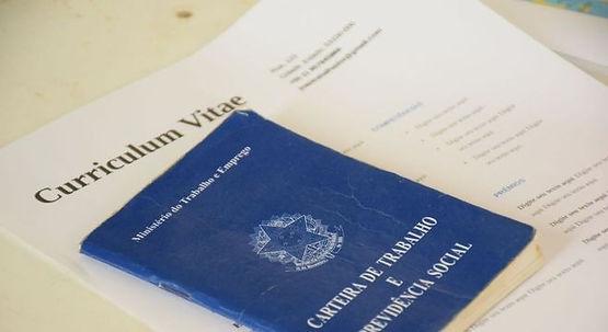 Governo prorroga por mais 2 meses suspensão e redução de salário