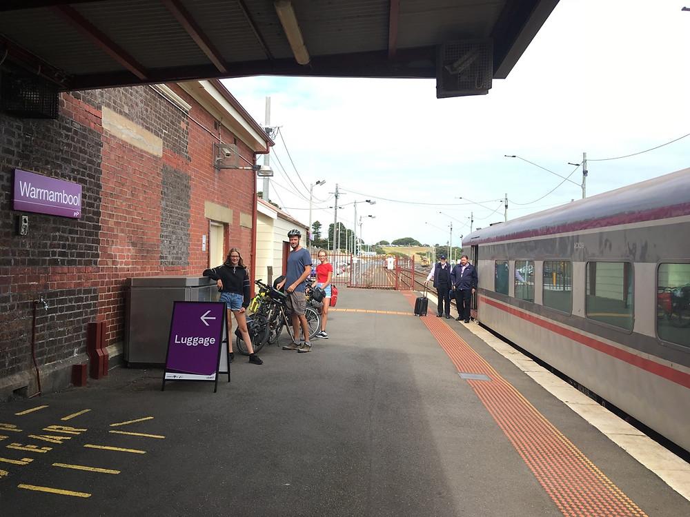 Tour du monde à vélo en famille Warrnambool train Australie