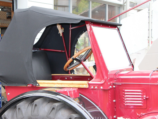 Hier haben wir ein schönes Verdeck für ein Oldtimer Traktor hergestellt