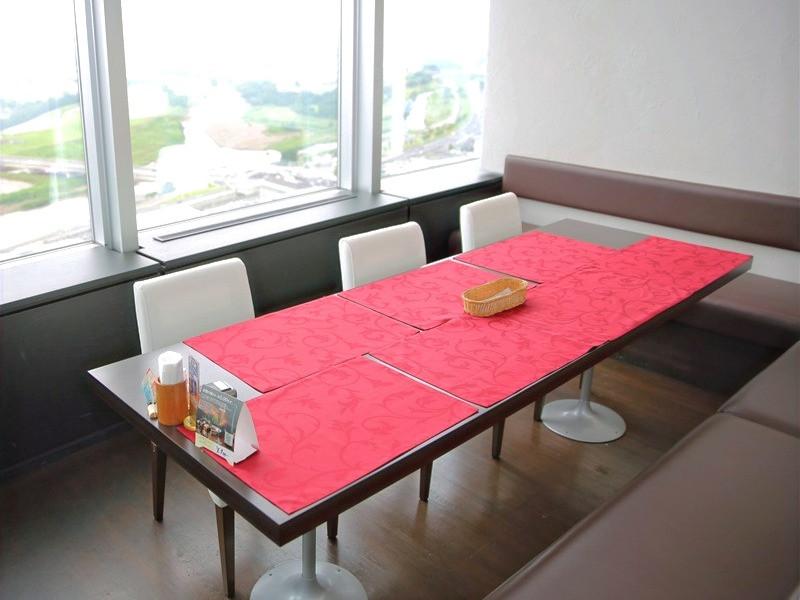 アートマルシェでは広い個室で安心して料理を楽しめる