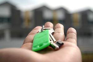 Person holding keys