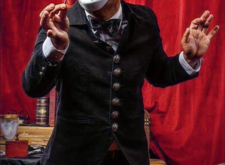 Magic & Performance coach Chris Herren as Faust
