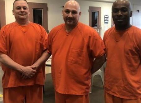 Presos saem das celas e salvam policial que infartou na cadeia