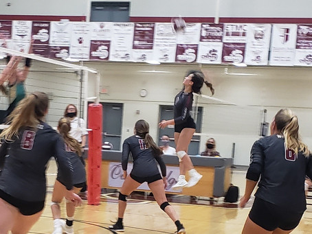 Oak Ridge Defeats Knoxville Catholic in Epic Five-Set Match