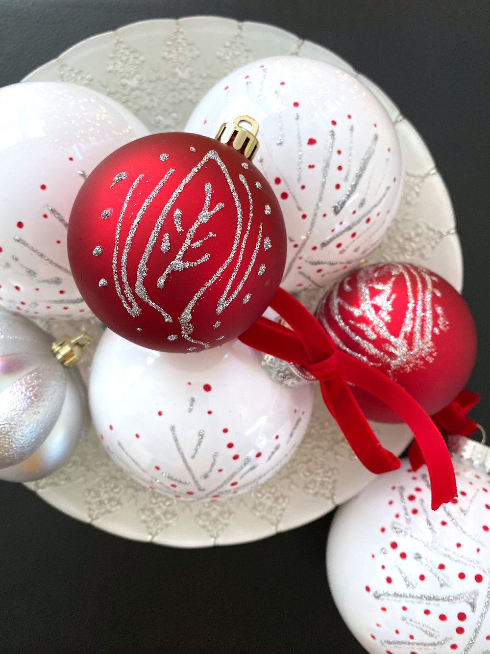 A simple and easy DIY Christmas Ornament. DIY these beautiful Nordic Ornaments to add the perfect touch of whimsy to your holiday decor. #holidaydecor #DIYornament #christmasornament