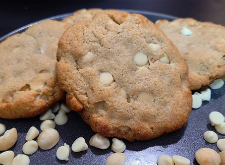 Keto White Chocolate and Macadamia Nut Cookies Recipe
