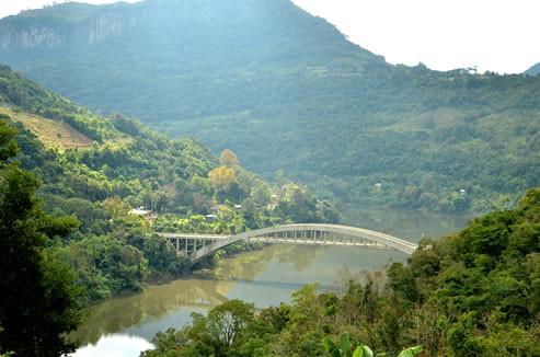 A Ponte Ernesto Dorneles é um dos cartões postais da Região da Uva e do Vinho, na Serra Gaúcha.