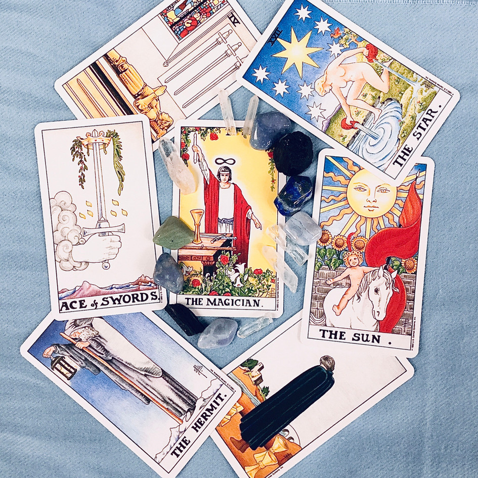 TAROT/ORACLE CARDS