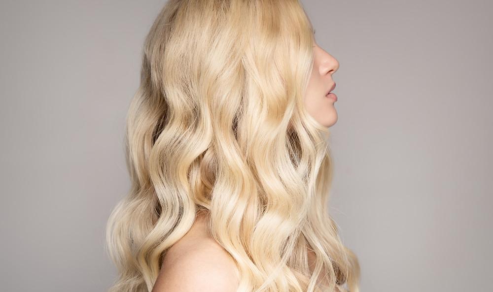 Gelbstich entfernen bei blonden Haaren