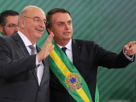 Para Bolsonaro, Osmar Terra deixa o Ministério da Cidadania como um vitorioso