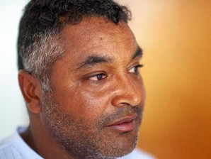 Ação Social: Roger Machado financiará livros de autores negros e indígenas