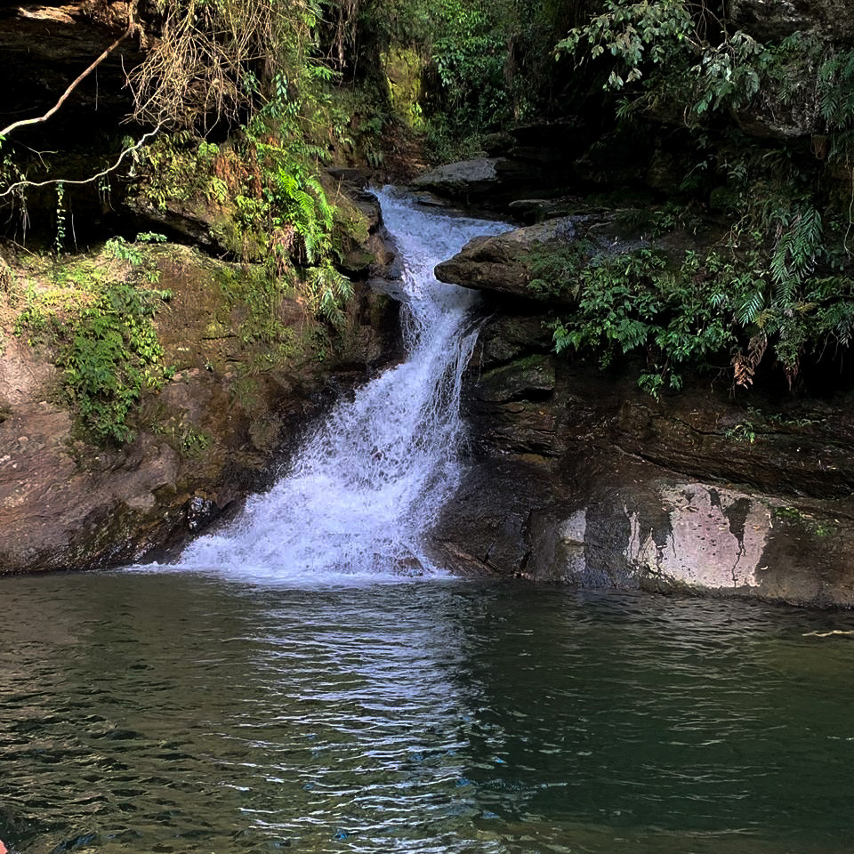 Cachoeira das esmeraldas luminarias