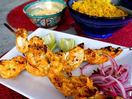 Tandoori chicken skewers with turmeric, lime & yoghurt dipping sauce