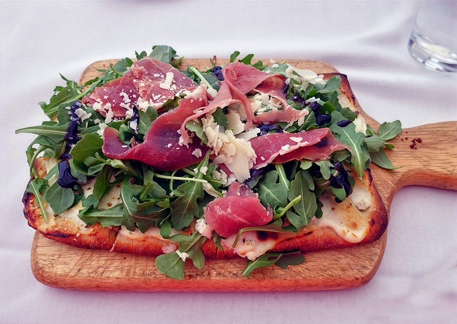 Flatbread-Pizza-La-Terrazza-Italian-Restaurant-Belmar-NJ