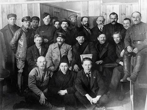 """O mito da eliminação da """"Velha Guarda Bolchevique"""" por Stálin"""