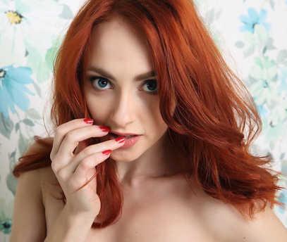 Zhanna Nude
