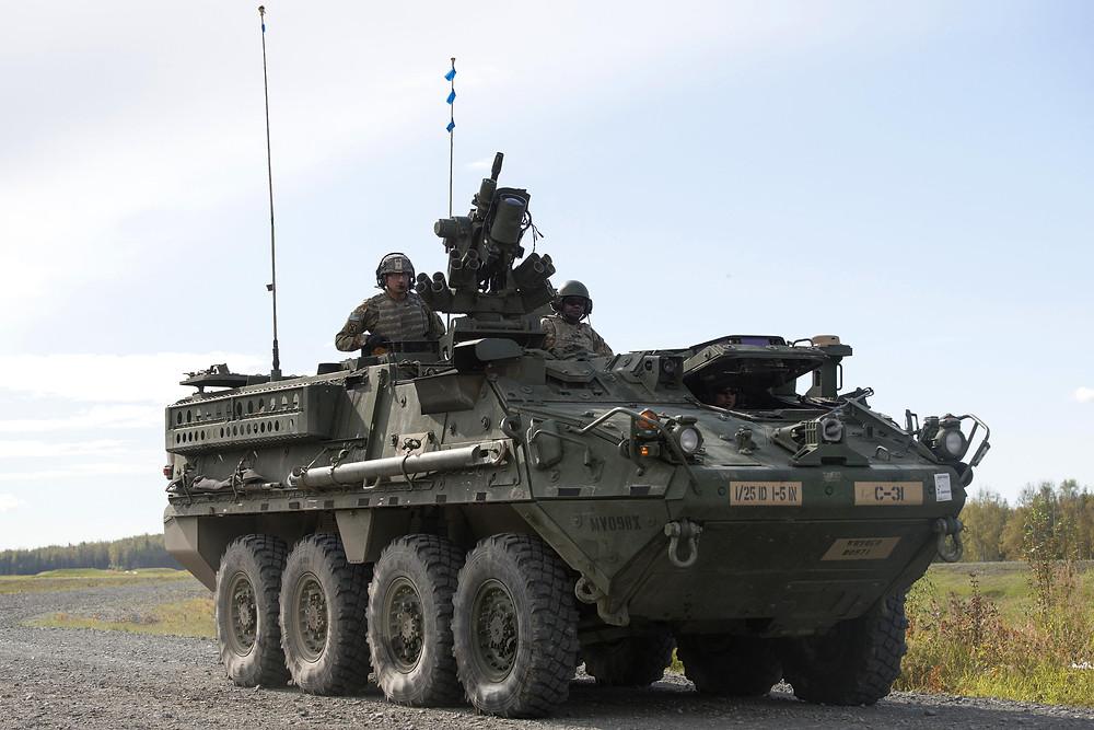 ยานเกราะล้อยาง M1126 Stryker Infantry Carrier Vehicle (ICV) สังกัดกองพลทหารราบที่ 5 กองพลน้อยยานเกราะต่อสู้ที่ 1 กองพันที่ 1 กรมทหารราบที่ 5 ของกองทัพบกสหรัฐฯ