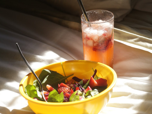 VI'S COOL SUMMER SALAD + DRINK COMBO