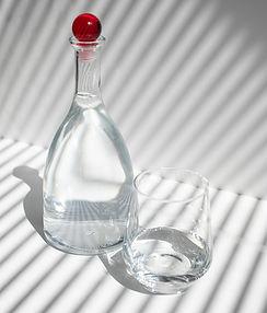 KLAUSK GYDYTOJO: šilto ar šalto vandens stikline pradėti rytą?