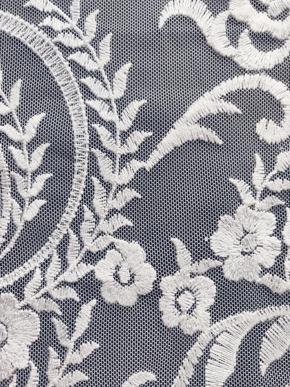 Dentelle robe de mariée sur mesure, atelier Éphéméride Lille