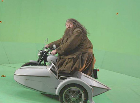 BEHIND THE SCENES GREEN SCREEN PHOTOS REVEAL THE SECRETS BEHIND HIT BLOCKBUSTERS