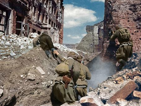 Stalingrado - Entre  escombros  e  sangue:  A batalha que definiu os rumos da 2ª Guerra mundial.