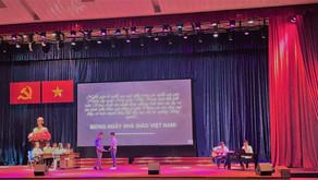 """CLB Âm nhạc khoa Tiếng Anh EDMC đạt giải Nhất Vòng chung kết Liên hoan ca múa """"Nhớ ơn Thầy, Cô"""""""