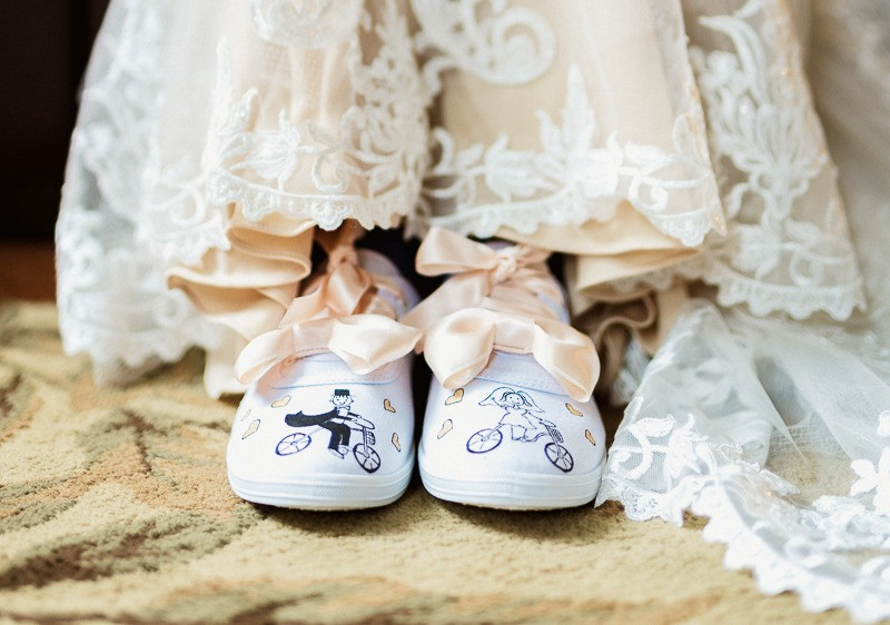 Mountain bike wedding details shoes