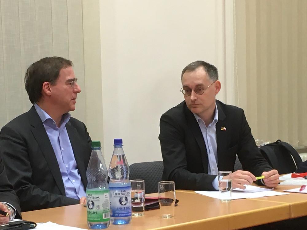 Jobst Ubbelohde, Europastaatssekretär und Polenbeauftragter der Brandenburger Landesregierung (links) und Enrico Triebel, DPGSV e.V. beim AK Polen am 16.01.2020