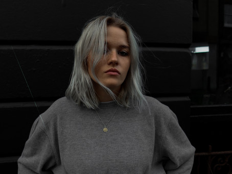 New Music: Jessica Stretton // Behind The Moon