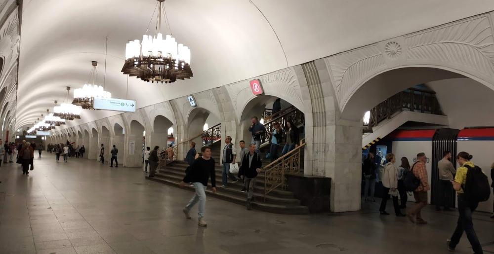 תחנת מטרו במוסקבה, רכבת תחתית מוסקבה