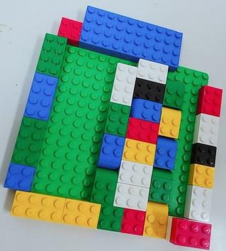 <レゴ>手作りビー玉転がし