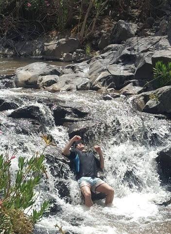 טיול מים ברמת הגולן בנחל יהודיה