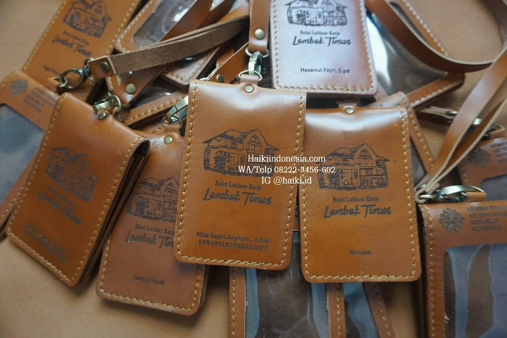 Souvenir perusahaan Id card holder kulit asli