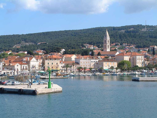 How to travel from Split to the island of Brac?