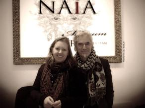 Deux artistes fondateurs et co-directeurs du Naïa Museum