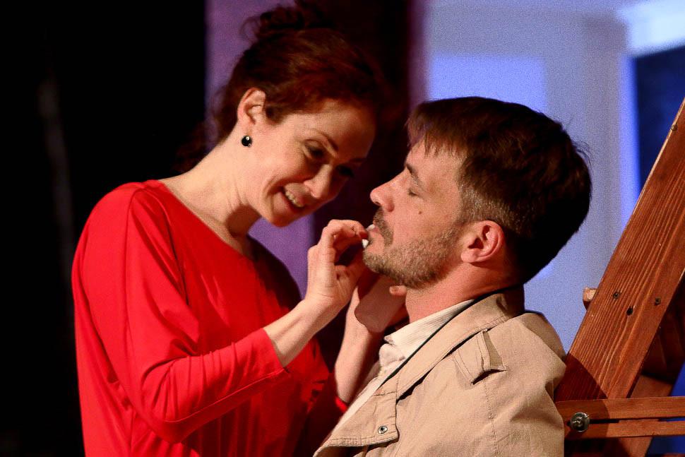Анна Большова и Кирилл Гребенщиков в спектакле «Семейный ужин в половине второго»