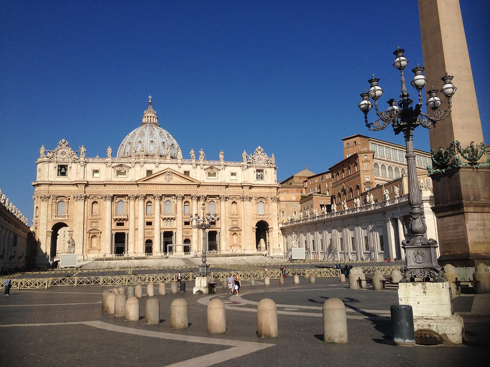 Собор и площадь святого Петра в Ватикане