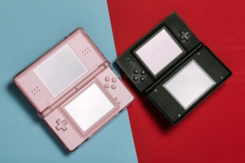 Nintendo DS pink and black