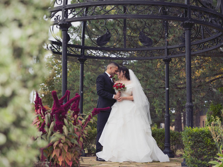 How to pick the right photographer for your big day